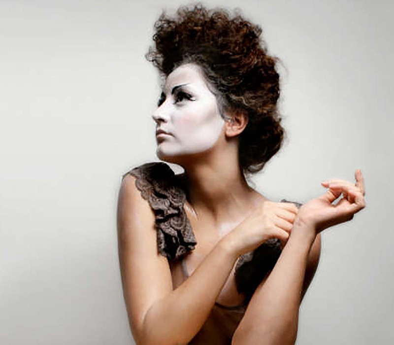 body painting services by Fiona Tanner Instituto Marangoni project